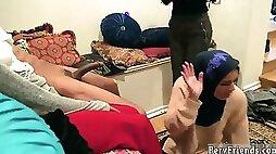 Webcam girl free teen banana Hot arab women attempt foursome