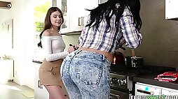 Naughty lesbian teen seduces bootyful stepmom Jasmine Jade