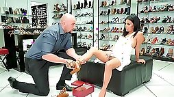 Shoe shop sex affair for married babe in heats