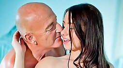 Good young hottie with tits Taylor Sands fucks herself with an old man