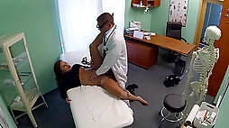 Bubbly model gets intimate with doctor
