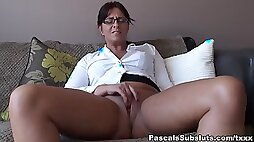 Amber Rodgers Go Back On the Sofa and Spread Legs PascalSsubsluts