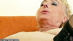 Granny gets licked and fucked
